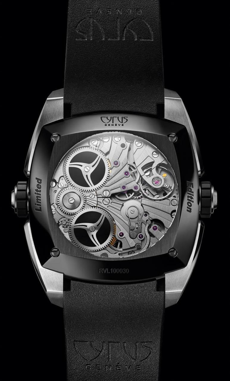 Cyrus-Klepcys-Alarm-watch-3